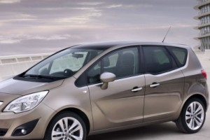 Подлокотник на Opel Meriva